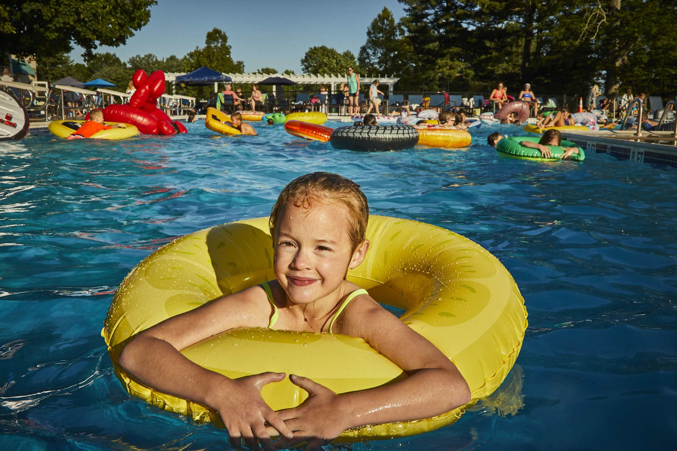 Norbeck-Club_Pool-Float-Party_026